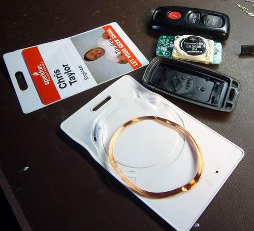 http://www.sparkfun.com/tutorial/KeyFob-RFID/KeyFob-RFID-5-M.jpg