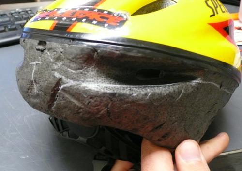 http://www.sparkfun.com/tutorial/LED_Helmet/helmet_traces_small.jpg