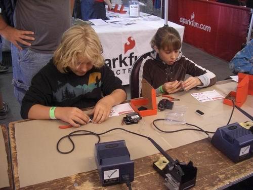 http://www.sparkfun.com/tutorial/Maker-Faire-09/Maker-Faire-09-3-M.jpg