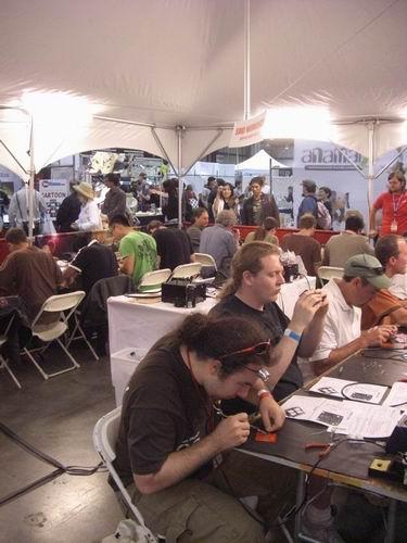 http://www.sparkfun.com/tutorial/Maker-Faire-09/Maker-Faire-09-5-M.jpg