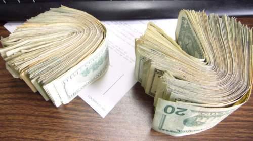 http://www.sparkfun.com/tutorial/Maker-Faire-09/Money-Roll-M.jpg