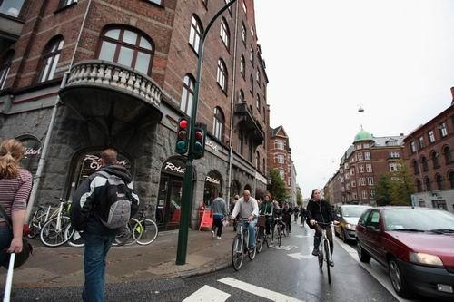 http://sparkfun.com/tutorial/news/Copenhagen/Copenhagen-4-M.jpg